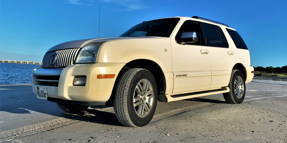 2008 Mercury Mountaineer Luna